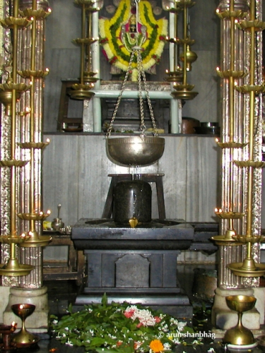 Linga representing the Niraakaar roopa of Ramnath Dev at Ramnathi Devasthan