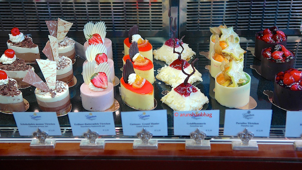 pics of pastries at the Gerstner Bakery Vienna Austria by Arun Shanbhag