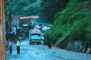 Pictures of quiet street in Kodari by Arun Shanbhag