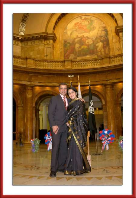 picture of M&A at the Massachusetts State House Rotunda 2006 Arun Shanbhag