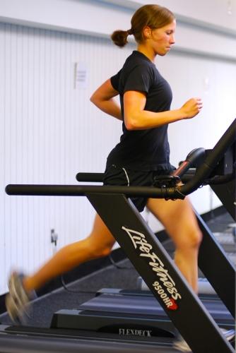 pics of Julie Schlenkerman doing intervals on a treadmill by Arun Shanbhag