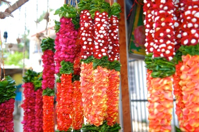 Flowers at the Matunga Flower Markets by Arun Shanbhag