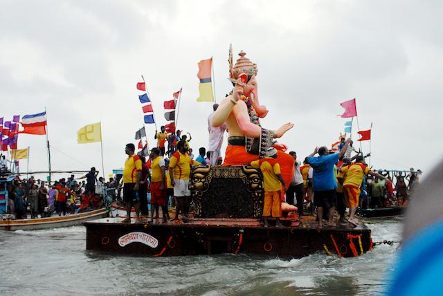 Lalbaug cha Raja Sarvajanik Ganapati Visarjan 2011 Amol Kamat