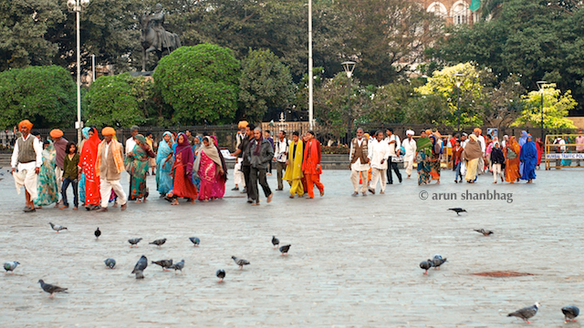 Pics of Tourists from Madhya Pradesh visiting the Gateway of India by Arun Shanbhag