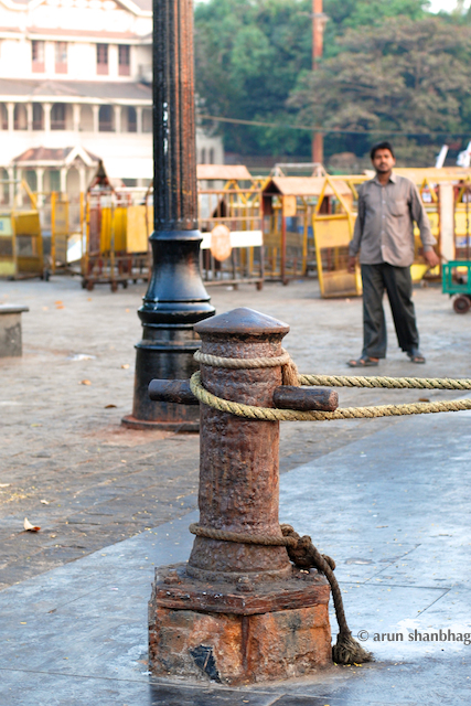 Picture of an ancient bollard at the Gateway of India