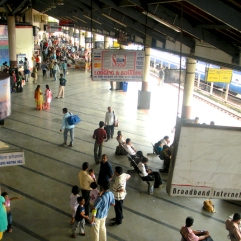 pictures of Passengers waiting at Madgaon Train Station, Goa by Arun Shanbhag