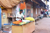 pics of flower stringers Kumta by Arun Shanbhag