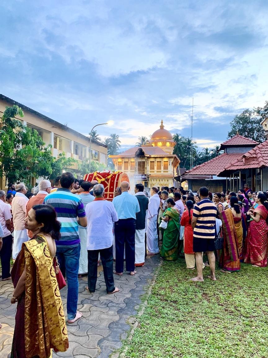 pics of the palki at the Mahalasa Narayani Devasthan, Goa by Arun Shanbhag